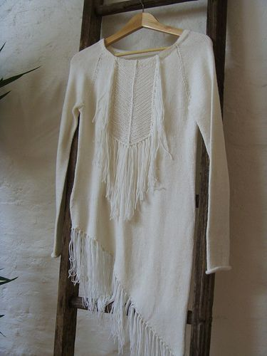 white tunic with fringe and beading: Hands Mad Sweaters, Knits Inspiration, Dark Knits, Dark Knitter, Fringes Sweaters, Handmade Sweaters, Knits Spir, Fing Sweaters, Fab Knits
