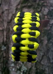 Dragon's Tongue Paracord Survival Bracelet