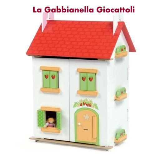 Casa delle bambole in legno.