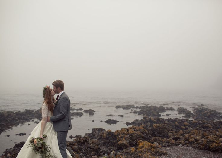 This wedding in the Scottish Highlands could not be any more romantic.