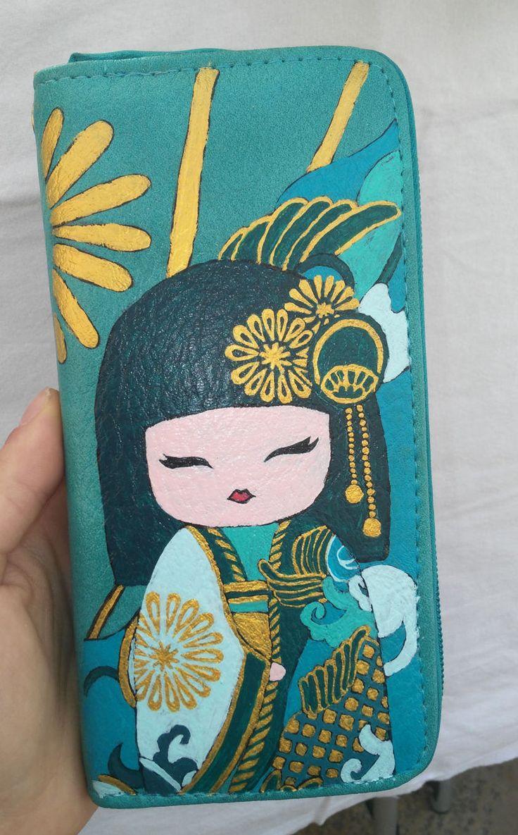 Portafoglio donna verde-acqua geisha dipinta a mano by HakunaMatataAM on Etsy