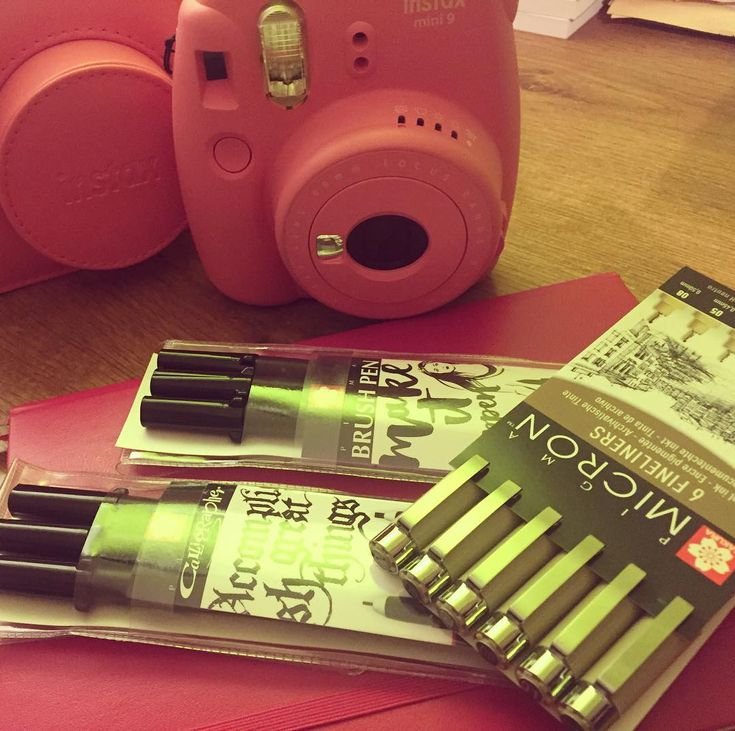 "Páči sa mi to: 5, komentáre: 1 – Dominika Imrichová (@ms_domca) na Instagrame: ""New additions to my journal supplies 🎀📝 #sakura #leuchtturm1917 #fujifilm #instax #pink #journal…"""