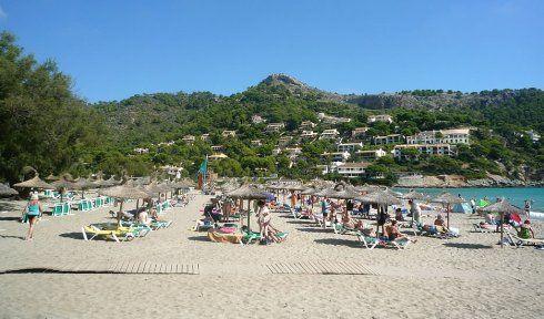 http://www.seemallorca.com/beaches/canyamel-beach-mallorca-canyamel-664483