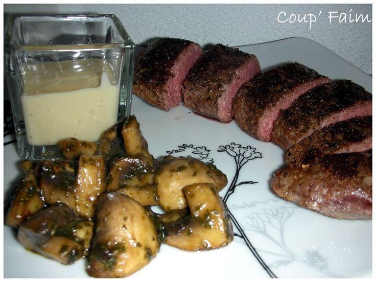 Un pur délice, rien a dire, enfin presque, je vais tout de même écrire la recette, car elle en vaut la peine ! Une recette tirée de mon livre sur la cuisson basse température, encore une fois je ne m'en lasse pas, la qualité de la viande par ce mode de...