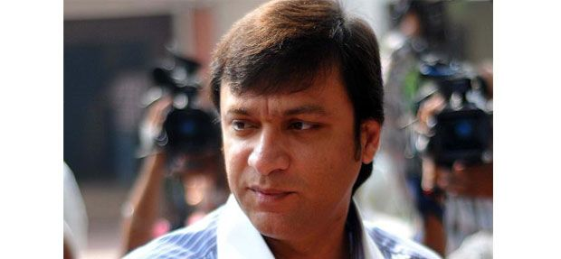 After resisting for more than a day, All India Majlis-e-Ittehadul Muslimeen leader and Chandrayangutta MLA Akbaruddin Owaisi finally gave in and was taken to Gandhi Hospital for medical examination on ... http://www.frontpageindia.com/andra-pradesh/akbaruddin-owaisi-taken-to-gandhi-hospital-for-medical-tests/47153