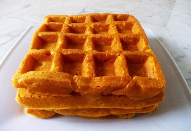 Sütőtökös gofri recept képpel. Hozzávalók és az elkészítés részletes leírása. A sütőtökös gofri elkészítési ideje: 24 perc