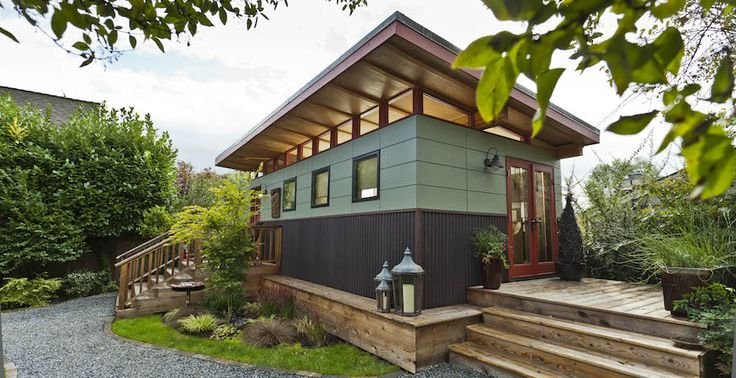 15 best arts crafts exteriors images on pinterest for Modern house siding solutions
