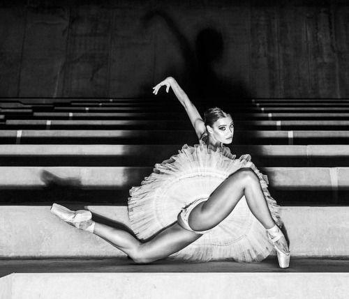 szymonbrodziak #InPosnania - a photographic project with Poznan Ballet Dancers to celebrate the opening of Posnania Shopping Centre in Poznan, Poland #photographer Szymon Brodziak @szymonbrodziak #dancers Viktoria Nowak @viktorianowak Marika Kucza, Kornelia Lech #makeup Sławka Sadowska @slawkasadowska #hair Krzysztof Nawrot #styling I like Black and White Elżbieta Maksimiuk @i_like_black_and_white #Fashion Edyta Jermacz @klubyedytajermacz Anna Korytowska @anna_korytowska Elżbieta Maksimiuk…