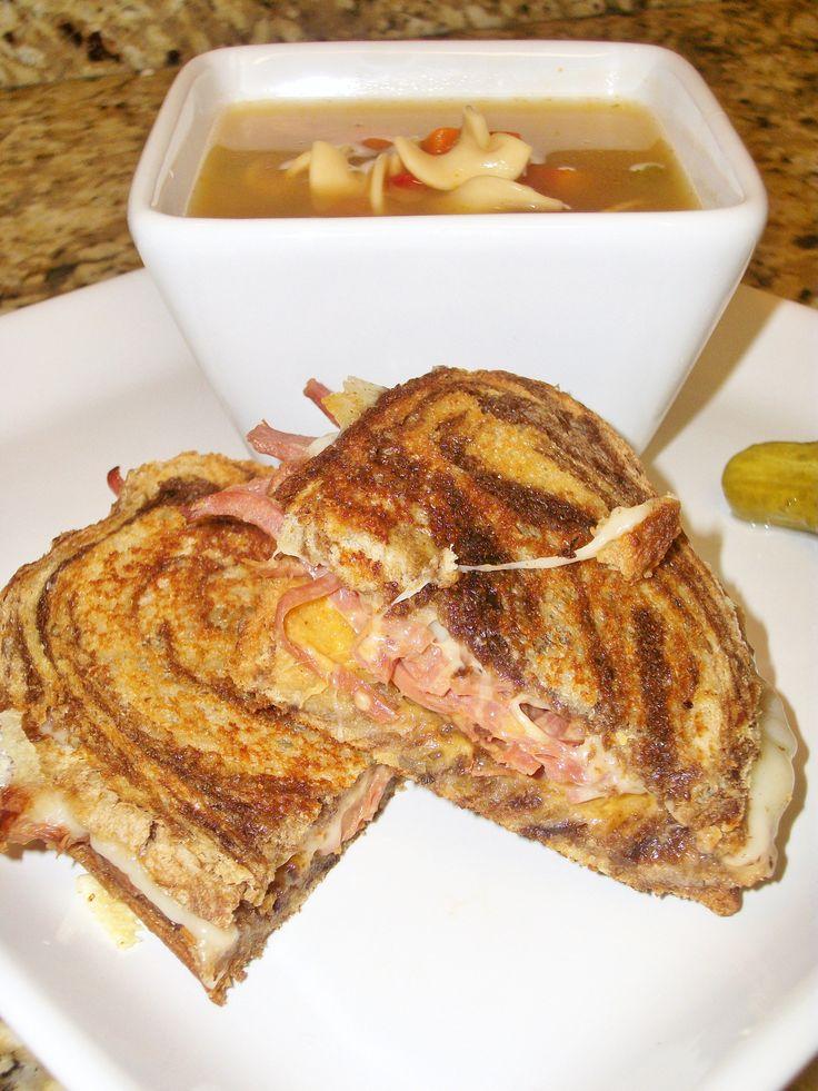 Grilled Ruben Sandwiches Grilled Ruben Sandwiches Reuben Sandwich Recipe Corned Beef Leftover