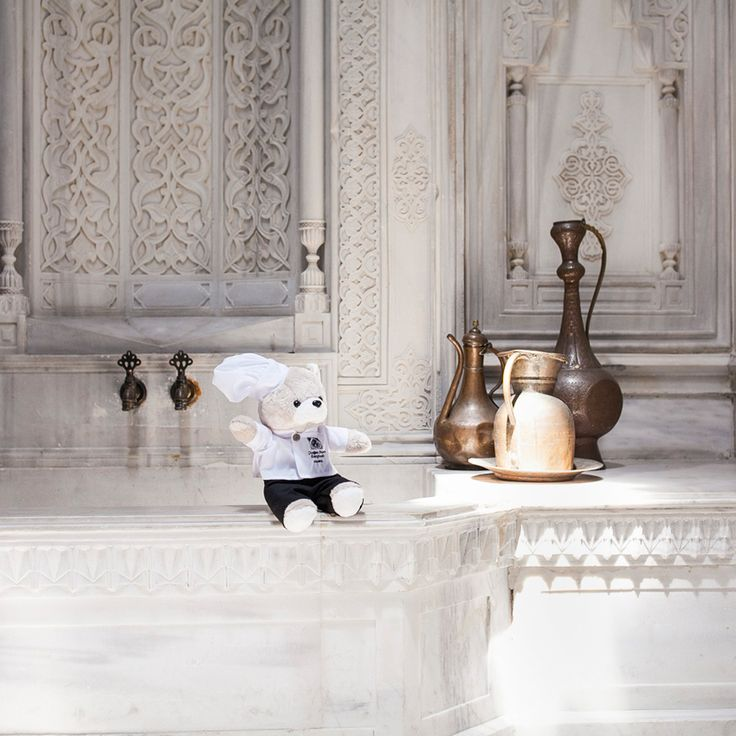 During his explorations, Chef Teddy ends up at the historic Hamam and now is privy to a secret: The well hidden love between Sultan Abdulaziz and Empress Eugenie, the beautiful wife of Napoleon III. #ChefTeddy