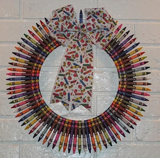 Perfect Gift for Teachers, Crayon Wreath with School Themed Bow