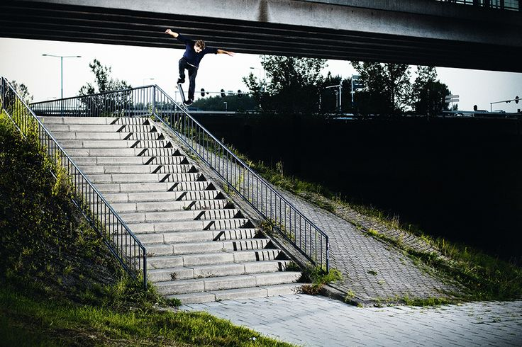 Niklas Speer von Cappeln – Crooks Pop Over | Photo: Hendrik Herzmann​ | Monster Skateboard Magazine #338