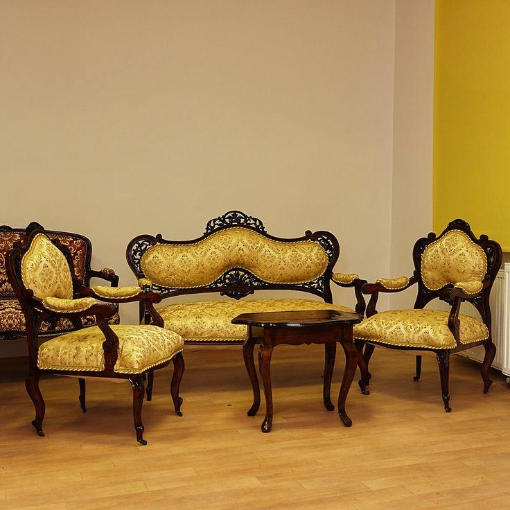Originálna antik,  baroková (WIENER-BAROCK) súprava náročne reštaurovaná. Sofa s dvoma kreslami  + antik salonový stolík. S možnosťou fakturácie. Prepravné náklady  nie sú v cene.