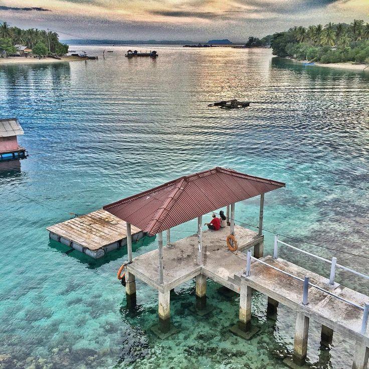 """TGIF.. weekend lagi arti'a #pikniklagi  #pikniknusantara  #goodtimes #beachlife #tanjungputus #lampung #explorelampung #travelingindonesia…"""