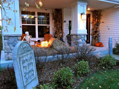 67 best halloween porches images on pinterest halloween ideas 101 best halloween decorated - Best Decorated Houses For Halloween