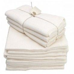 Økologiske stofbleer - meget praktiske, helt uundværlige og kan bruges til ALT:  ble (obviously), gylpeklud, nusseklud, solskærm på barnevognen, liggeunderlag, skifteunderlag, vaske-/ tørreklud, hagesmæk, serviet - og når baby er stor: den perfekte pudse-/ rengøringsklud (vi bruger stadig vores flittigt) - Anskaf minimum 10 til at starte med - du kommer til at ELSKE dem :-D