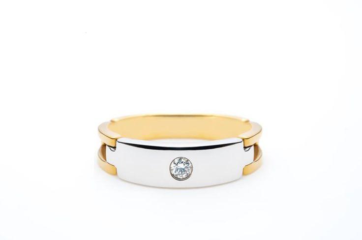 Un #inel pentru colecţia ta de #bijuterii de #familie. #Sabion #jewelry #yellow #and #white #gold #18k #engagementrings #collections #ring #18k #diamond #stones #GSI
