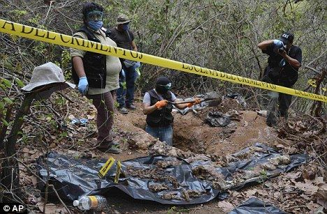 Mexican drug cartels kidnap busloads of people and force them to fight to death in gladiatorial contests =(
