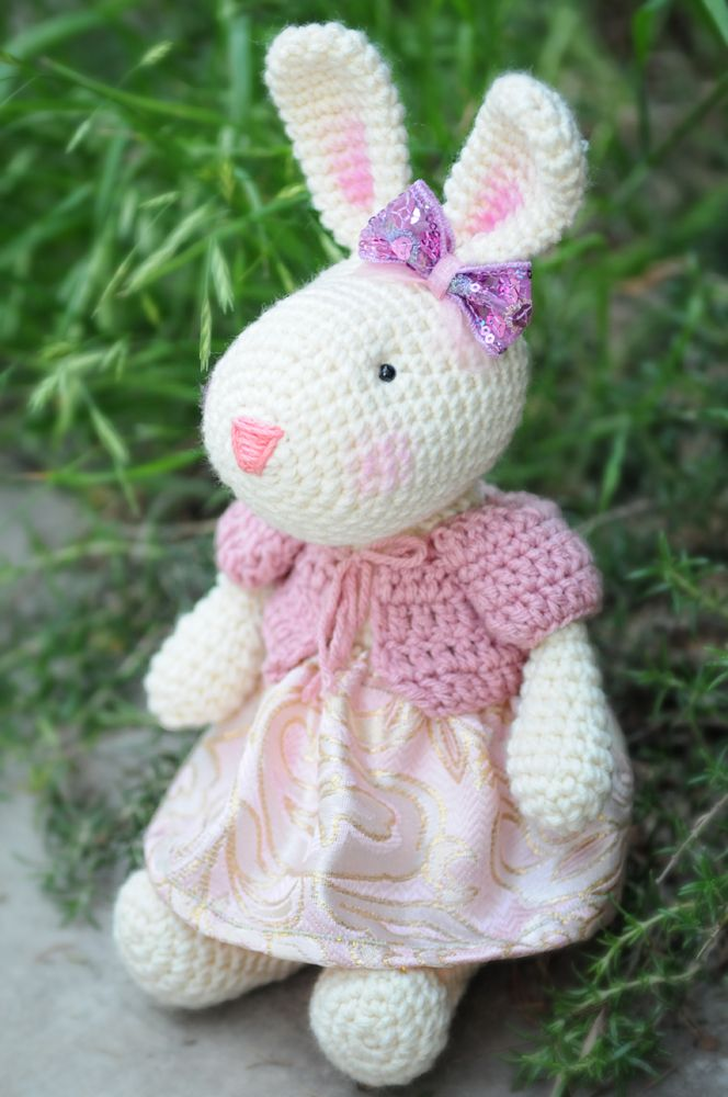 Pinky The Rabbit Amigurumi Crochet Pattern : 146 best images about Lina Marie Dolls on Pinterest ...