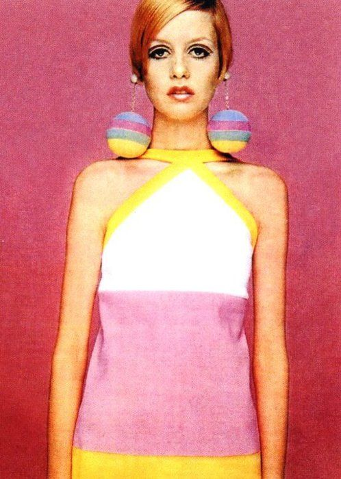 Pink Twiggy 1960s mod vintage fashion, swinging sixties, Twiggy hair