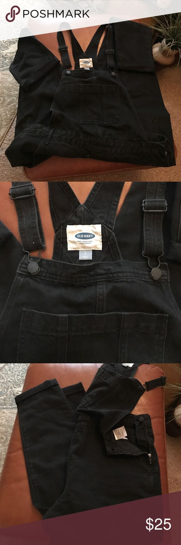 💕Brand new Old Navy black denim overalls 💋❤💕 NWOT firm price brand new not worn. Black size Large Old Navy overalls . Inseam 27 with cuffs 29 without. Zip up and button sides. Sooooo cute! 🌺💋❤💕🌸 19- 20 inches across waist Old Navy Jeans Overalls
