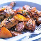 Nigella Lawson: langzaam gebraden kip met knoflook, citroen en tijm  Ggemaakt op 26-1-2015 Aanpassingen: - Kipfilet ipv hele kip - 30min op 150C en 15min op 200C