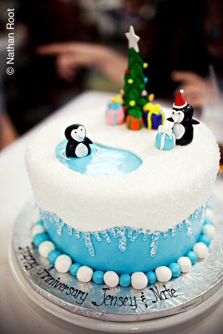 Penguins, Christmas cake idea. http://pinterest.com/all/?marker=138837600982422994=11=holidays#