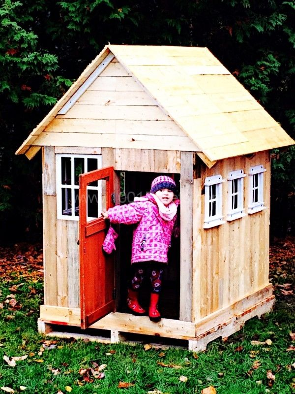 Pallets Kids Playhouse • Pallet Ideas | Pallets and Pallet ...