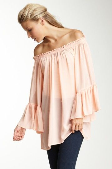 Ruffle Sleeve Top: Classiqu Ruffles, Outfits, Fashion Beautiful, Classique Ruffle, Ruffles Sleeve, Ruffle Sleeve, Closet, Ruffles Tops, Sleeve Tops