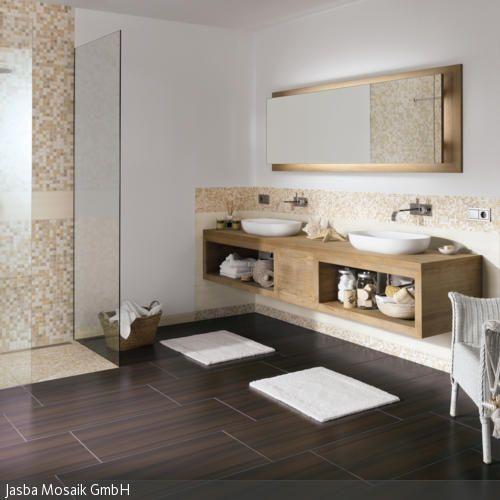 Immer öfter werden Fliesen in Holzoptik im Badezimmer eingesetzt: Sie ...