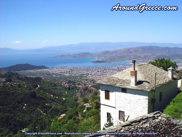 View of Volos from Makrinitsa  http://www.aroundpelion.com