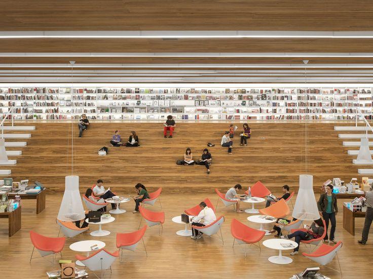 Construído na 2012 na São Paulo, Brasil. Imagens do Fernando Guerra | FG+SG. Uma livraria como um espaço de encontro. Foi essa a principal premissa do projeto arquitetônico da Livraria Cultura do Iguatemi. Mais do que apenas...