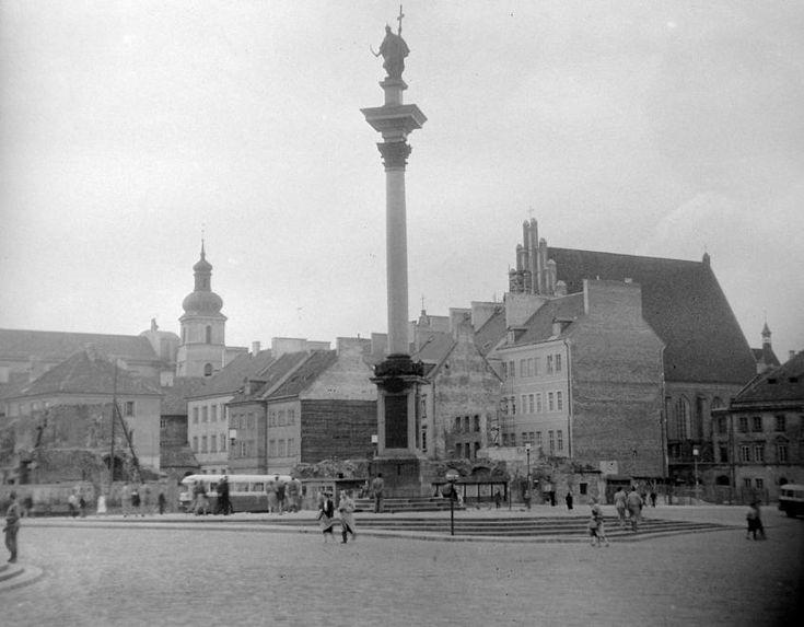 Plac Zamkowy, Zsigmond-oszlop.