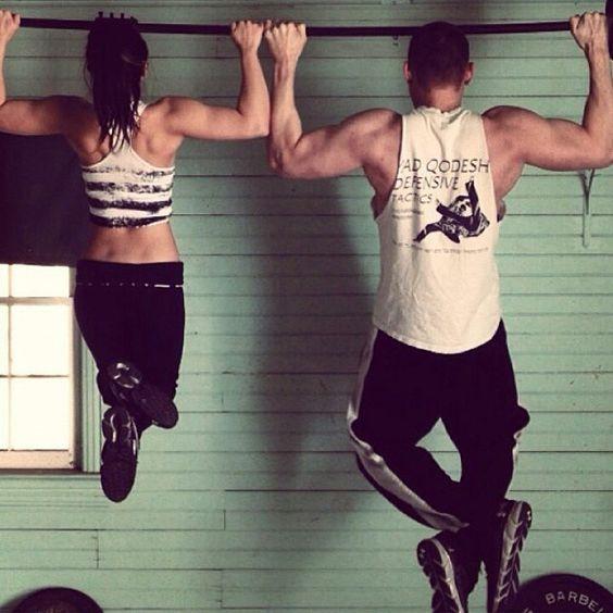 El cross-fitness, el entrenamiento físico cruzado  El crossfit o cross-fitness es una técnica de entrenamiento, encadenando diferentes ejercicios físicos de forma intensa, sin tiempo y sin pausa. El principio de este tipo de ejercicio es el de entrenar el cuerpo ejerciendo diferentes disciplinas al mismo tiempo, tales como la halterofilia, el atletismo, la gimnasia y sobre todo la resistencia... #salud #health #ejercicio #entrenar #fit #vidafit #run #CrossFit