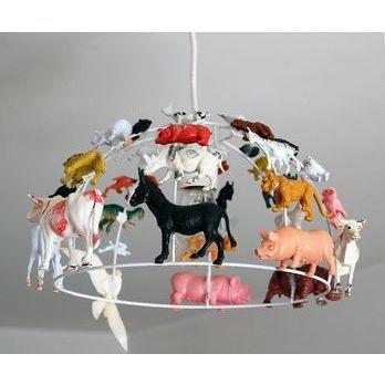 inspiration pour carcasse de plafonnier et animaux plastiques…  (via Suspension enfant Manège - desMerveilles.com)
