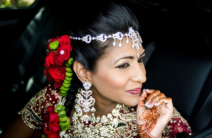 Tamil bride with traditional tamil bridal hair
