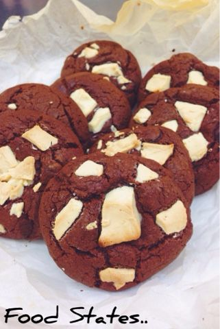 Soft chocolate chip cookies        μπισκοτένιες, μαλακές, σοκολατένιες απολαύσεις!    Λαχταριστά, μαλακά μπισκότα σοκολάτας με κομματάκια λ...