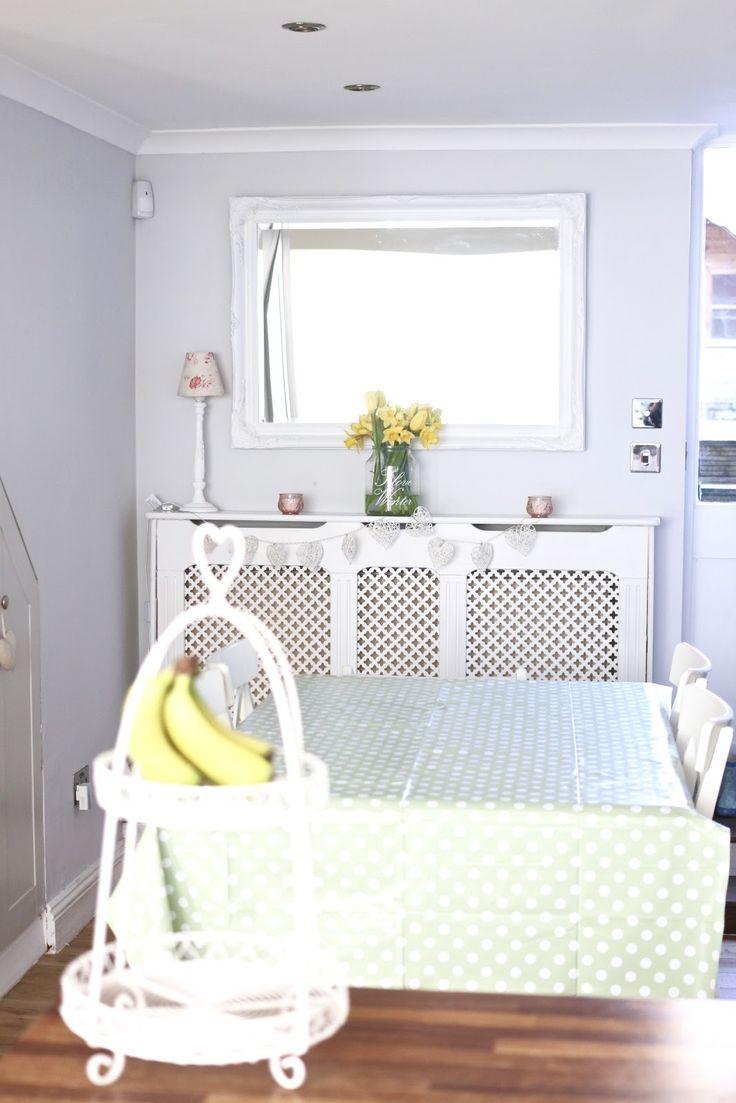 Home tour: la mia cucina (special guest: la Toddler)