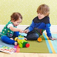 It's National Sibling Day! Check out how your baby benefits from having an older sibling at home.