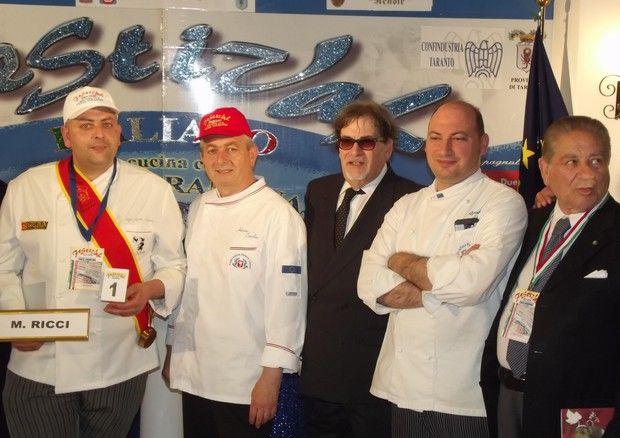 Chef Mirko Ricci vince Festival cucina con cozza tarantina http://www.ansa.it/canale_terraegusto/notizie/dolce_e_salato/2017/04/11/chef-mirko-ricci-vince-festival-cucina-con-cozza-tarantina_095691e4-cd0c-4d64-9800-6e8915763770.html