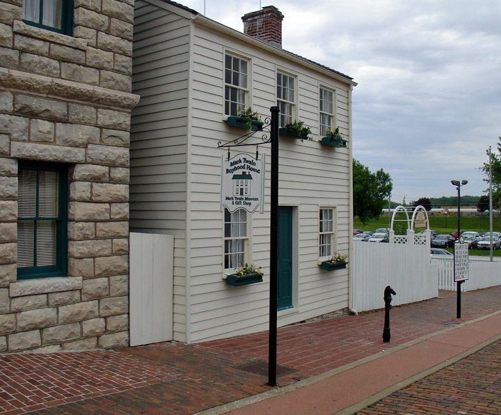 """Tom Sawyer's House"" in Hannibal, Missouri.  The famous fence that Tom's friends painted is on the right.  -  Travel Photos by Galen R Frysinger, Sheboygan, Wisconsin"
