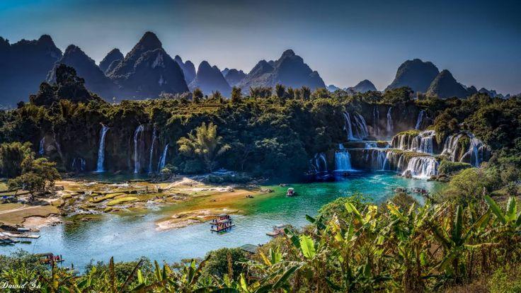 Wodospad Detian. Zdjęcie robione w Chinach a za rzeką Wietnam.