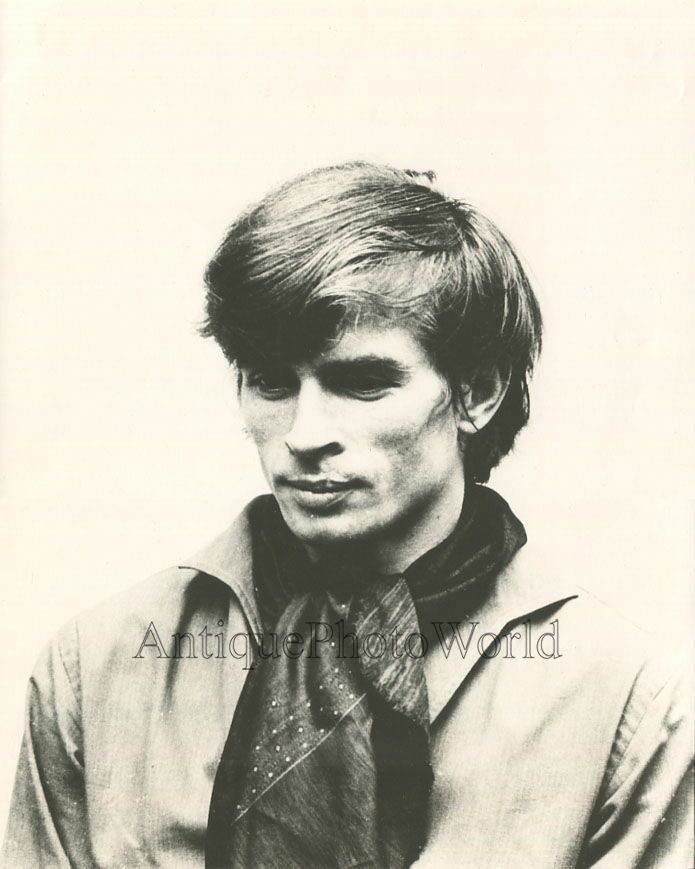Rudolf Nureyev vintage ballet star dancer candid photo