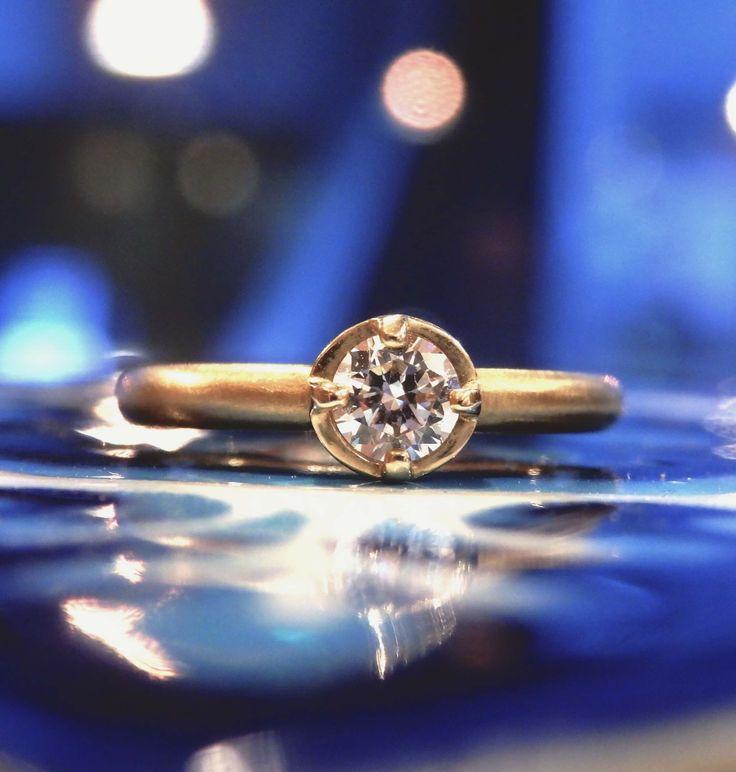 丸いフォルムがクラシカルで愛らしいエンゲージリング [engagement,wedding,ring,bridal,diamond,ダイヤモンド,エンゲージリング,婚約指輪,オーダーメイド,ウエディング,ith,イズマリッジ]