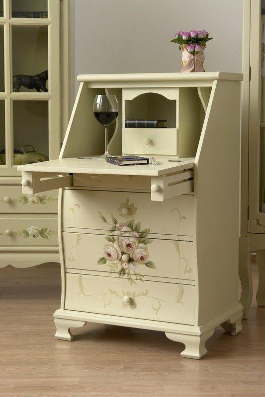 Stylowy sekretarzyk malowany w róże / Four lovely dressing table with drawers