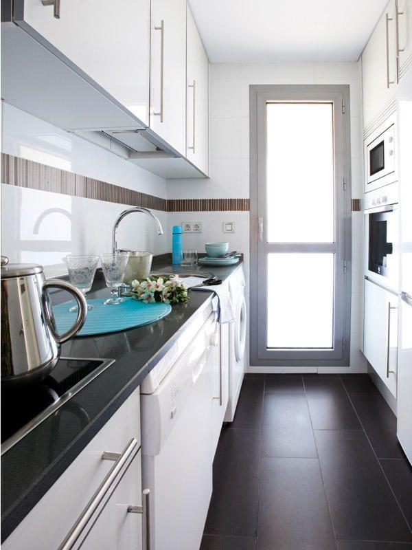 Cocinas alargadas y estrechas finest reforma de cocinas for Cocinas largas y estrechas