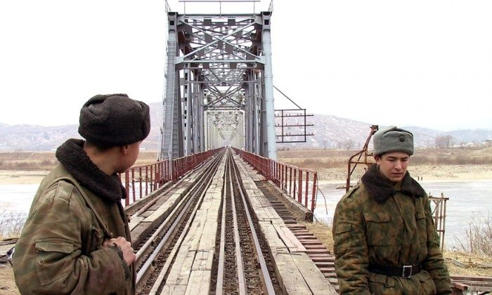 The Druzhby bridge – Bridge of Friendship – straddling the North Korean–Russia border. Russia and North Korea have agreed on a new deportation agreement on illegal immigrants found to be living in either country.  The agreement, drafted in September, states that anyone found to be without the correct documents will be detained, interviewed and, if they have entered illegally, deported within 30-days. Which sounds worse than it is, after all it's russians, Nkoreans won't have problem getting…