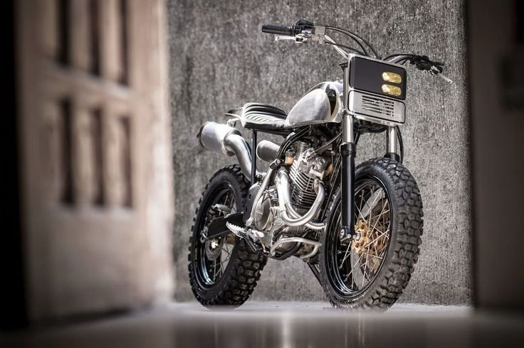 Honda XR400R Dirt Track by Benjie's Cafe Racer #motorcycles #dirttrack #motos | caferacerpasion.com