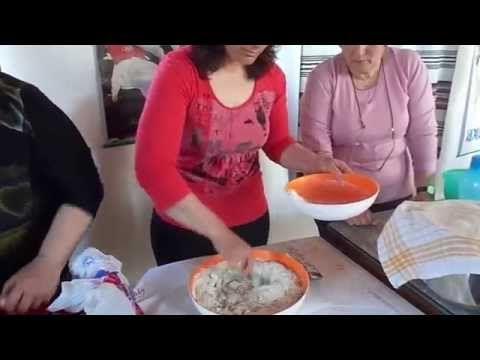 Κάτι ψήνεται στο Φιλώτι (ταχινόπιτα ή ταχινόγλυκο της Κυριακής) - YouTube