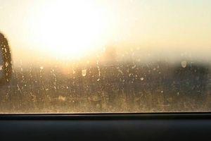 How to Clean Interior Car Windows thumbnail
